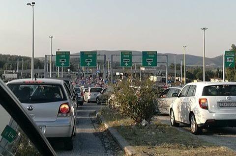 Продолжениот викенд не почнат, а веќе турканици на границата со Грција!