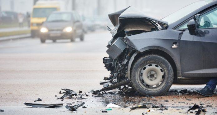 Шест сообраќајки изминатите 24 часа во Скопје, три лица лесно повредени