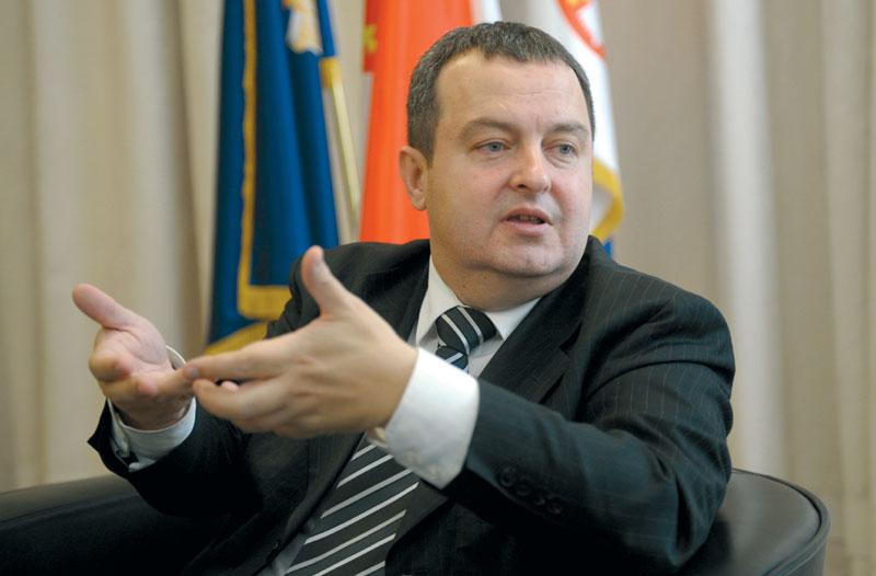 Дачиќ со прашање до Заев: Ако бевте толку желни да се прегрнете со Бугарија, зошто чекавте до 2020 година?