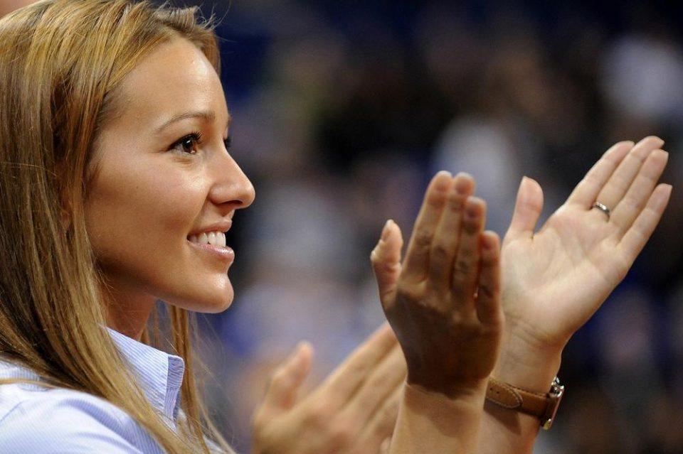 Не беше крај него на централниот терен: Се огласи Јелена Ѓоковиќ!