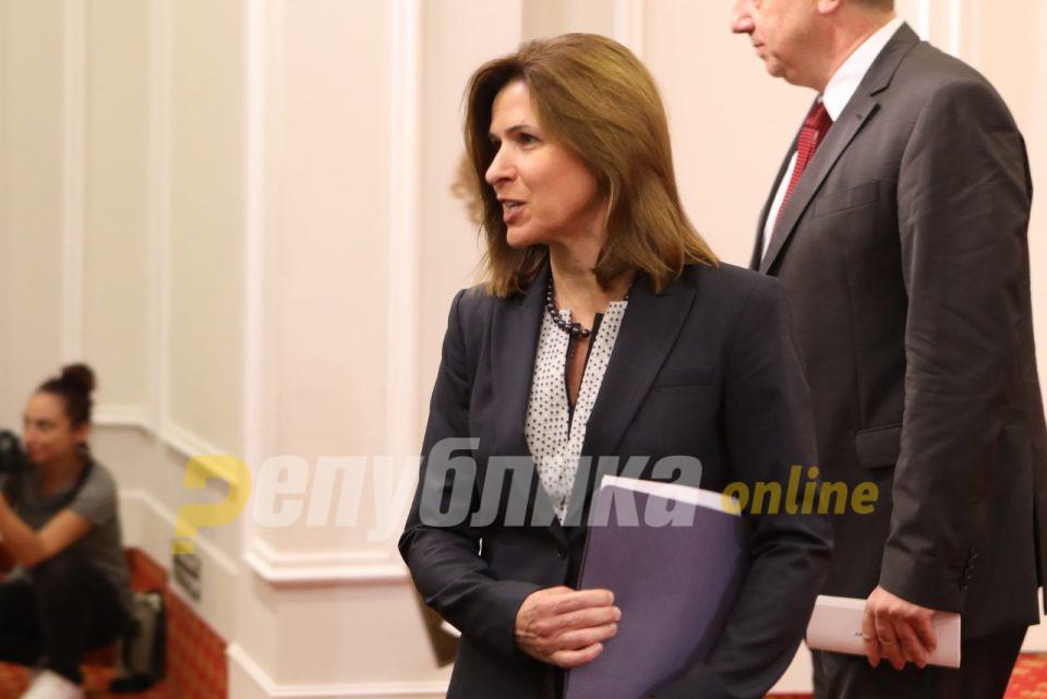 Американската амбасадорка е задоволна што Законот за попис го поддржале две опозициски партии