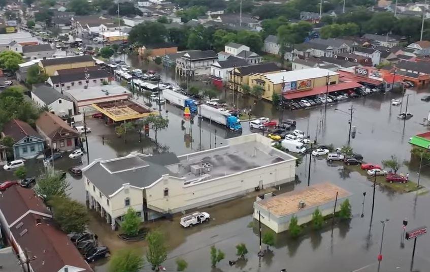 Вонредна состојба во Њу Орлеанс, во опасност Тексас и Мисисипи