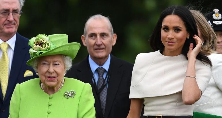 Кралицата мора да се слуша: Новото правило на Елизабета ја шокираше Меган Маркл