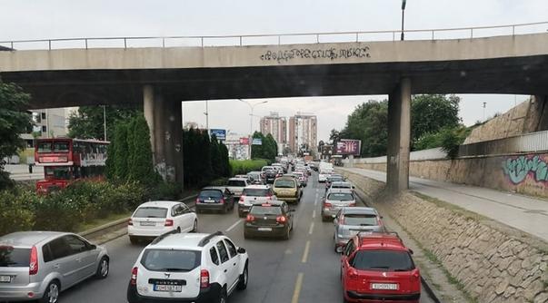 """Возачите револтирени: Хaoсот на мостот """"Гоце Делчев"""" ќе трае 40 дена"""
