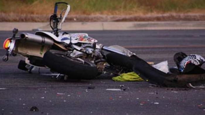 Тешко повреден мотоциклист, изгубил контрола и паднал