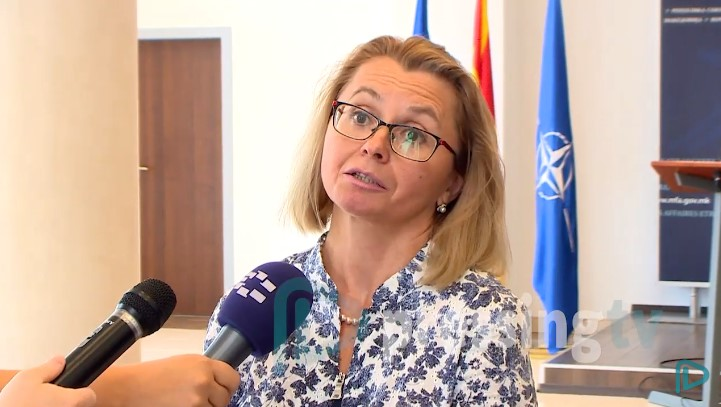 """Украинската амбасадорка: За разговорите на Заев со """"Порошенко"""" дознавме од весници"""