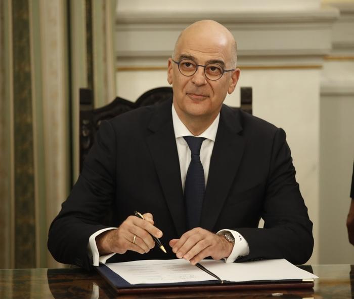 """Весник """"Дита"""": Новиот шеф на грчката дипломатија Никос Дендијас е албански Грк"""
