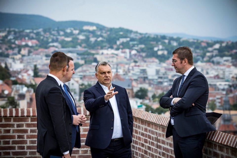 Никој не ме праша зошто бев кај Орбан: Лобирав за датум, зашто Македонија досега немала толкав пријател како еврокомесарот Трочањи