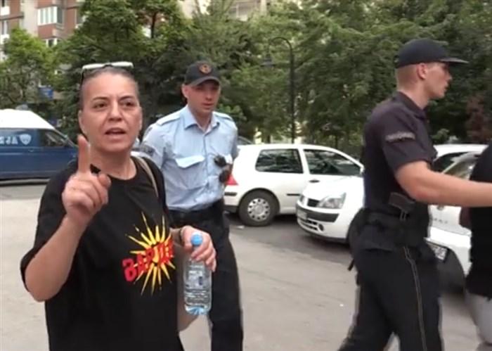 Го нарушувала јавниот ред и мир: МВР со детали за приведувањето на мајката на Пино