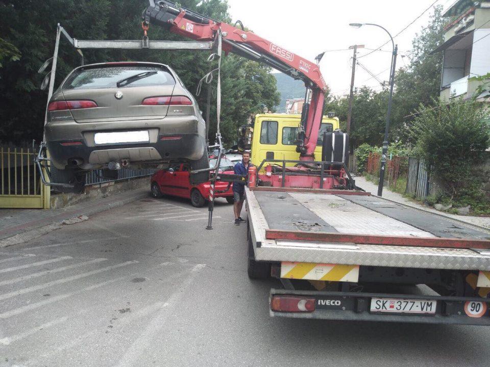 За една недела санкционирани над 300 непрописно паркирани возила во Центар