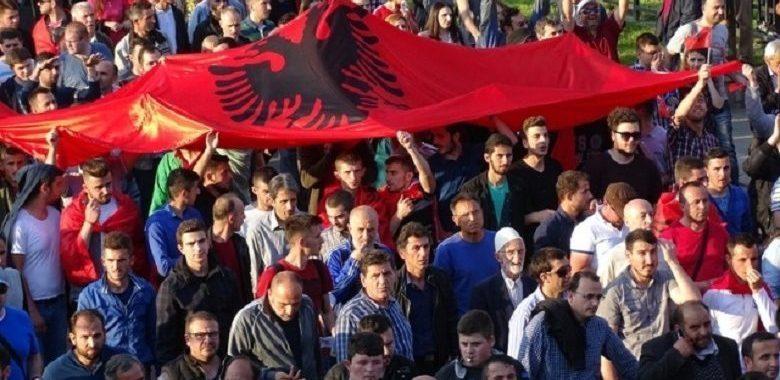 Лајм: Денес протести во Скопје за бомбите на Ел Чека, повици за масовно учество