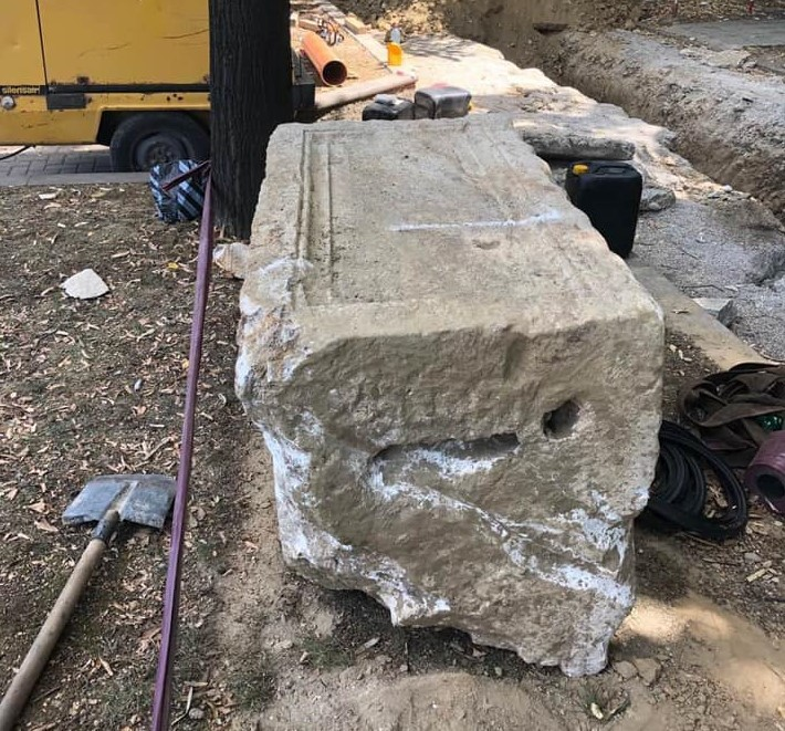 """Пронајден саркофаг од вториот век кај слаткарница """"Палма"""""""