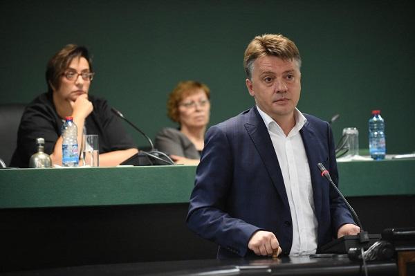 Шилегов да им ги плати казните на таксистите зашто им ги објави личните податоци