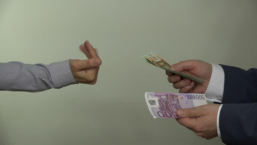Три години нема бизнис кој не е изрекетиран, Јатаците на Заев прават ршум низ Македонија
