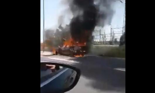 Автомобил целосно изгоре на обиколницата кај Радишани