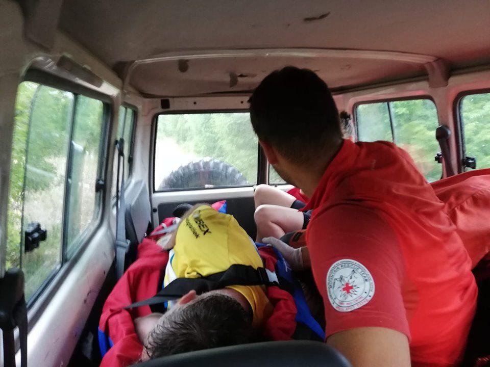 Холандски велосипедист паднал и го повредил колкот во околината на Пештани
