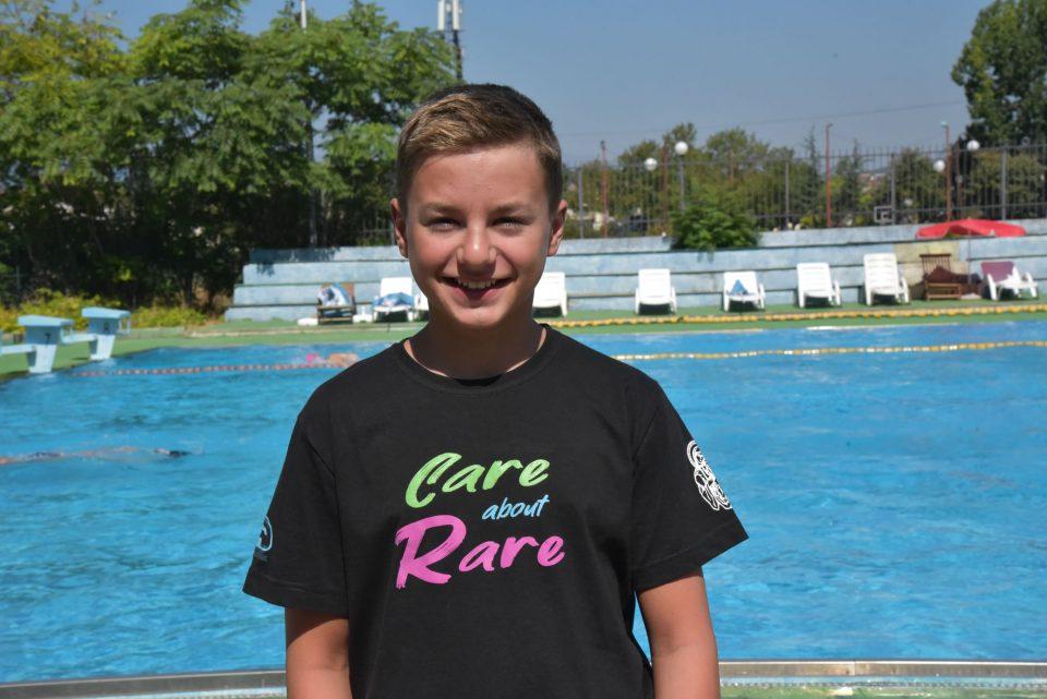 На 28 август Марко Пејчиновски ќе плива патека пет пати поголема од неговата возраст