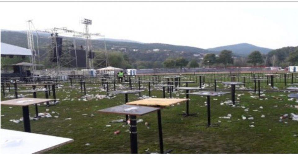 """""""Охридски Комуналец"""" повикува на повисока еколошка свест: Древниот Охрид се уништува со расфрлени шишиња, отпадоци од храна и цигари"""