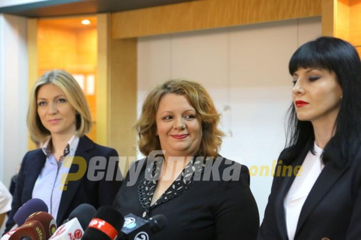 """Во рацете на Јанева ја оставија одлуката дали ќе ги изземе Фетаи и Бубевски од """"Титаник 3"""""""