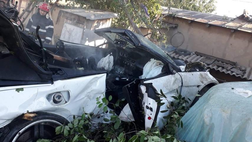 """Трудница и дете загинаа откако во дворот им влета возило, возачот се снимал колку брзо вози на """"Фејсбук"""""""