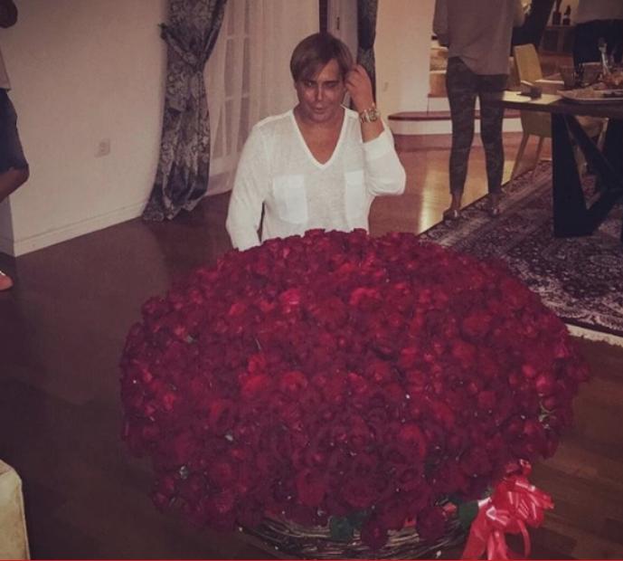 Се фалеше со 101 роза, па мала Сицилија во Скопје, а сега во Шутка: На Боки 13 утре му е роденден!