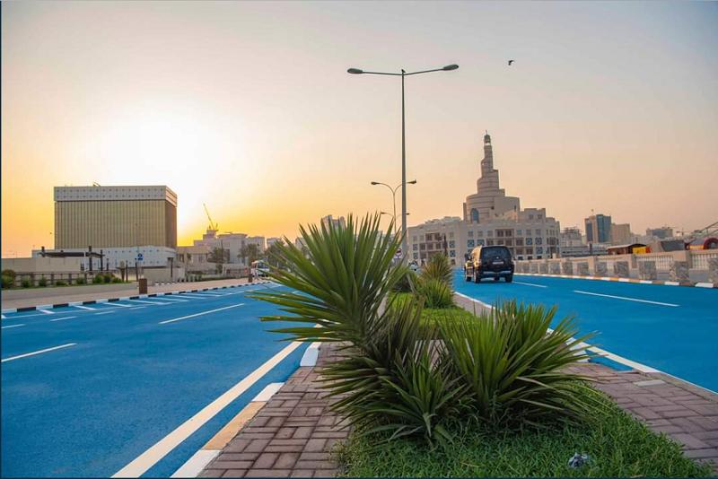 Посини асфалтот во Доха