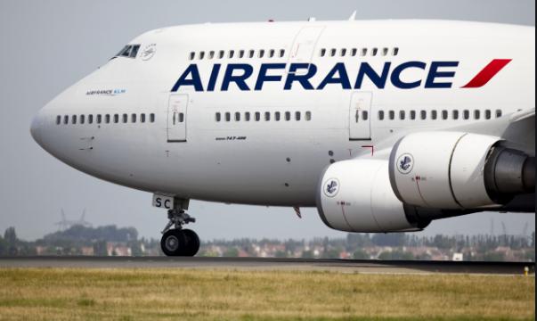 """Авион на """"Ер Франс"""" принудно слета во Луксембург"""