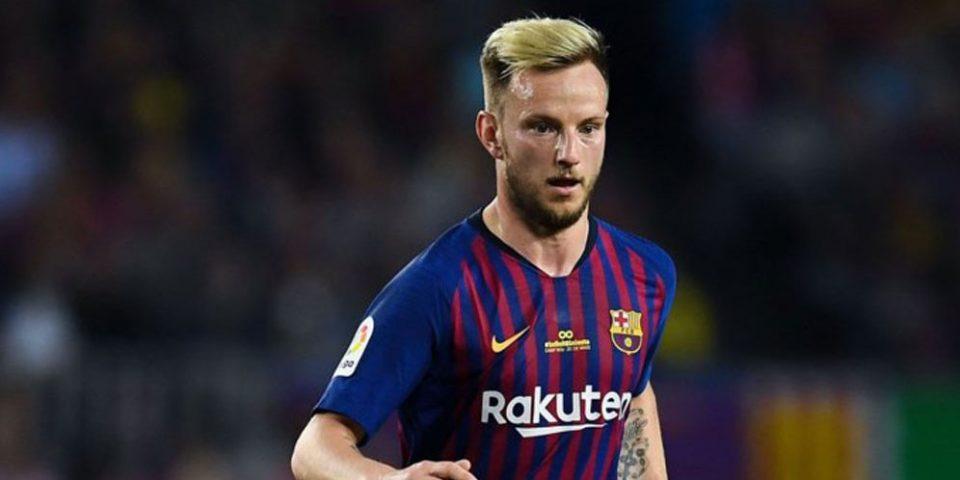 Барселона ја одби понудата на Јувентус за размена на Ракитиќ