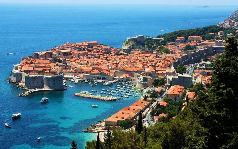 Во Дубровник цените спуштени и до 60 отсто, но гости сепак нема