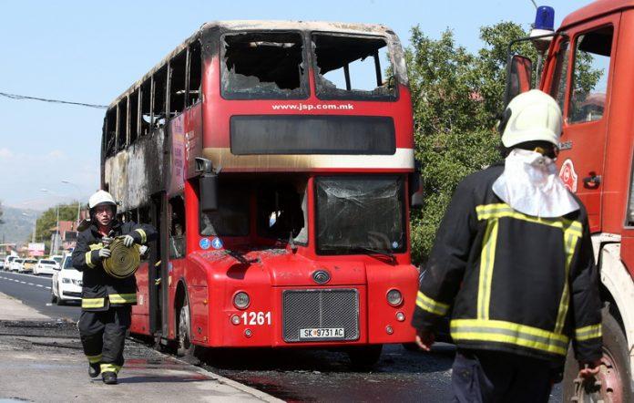 Шилегов: Возачот на запалениот автобус безбедно ги симнал патниците
