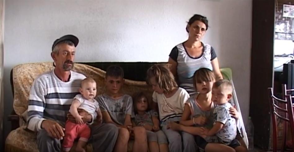 Десетчлено семејство од Каратманово едвај преживува – добиле закани од градоначланикот