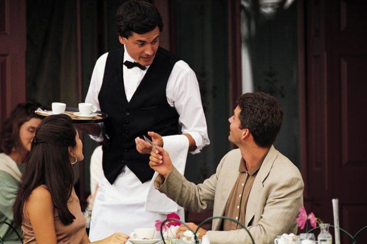 Французин застрелал келнер заради бавната услуга