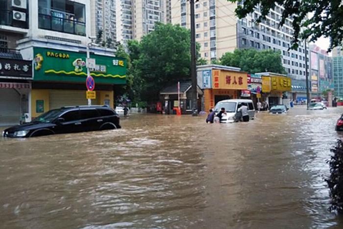 Кина: 201 луѓе настрадаa во поплавите