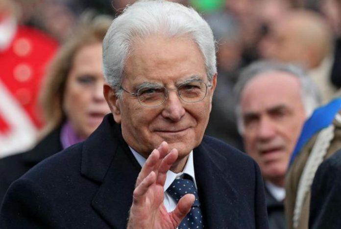 Италијанскиот претседател почнува консултации со партиите за излез од политичката криза