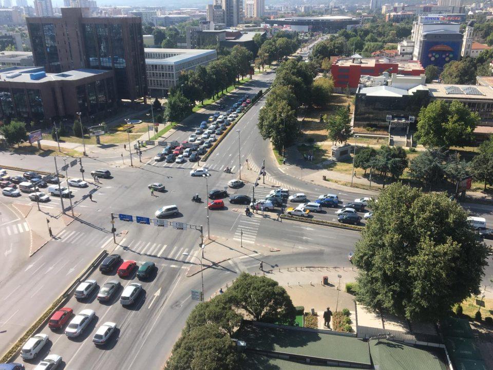 Сообраќајка кај Мавровка, отежнат сообраќајот на крстосницата