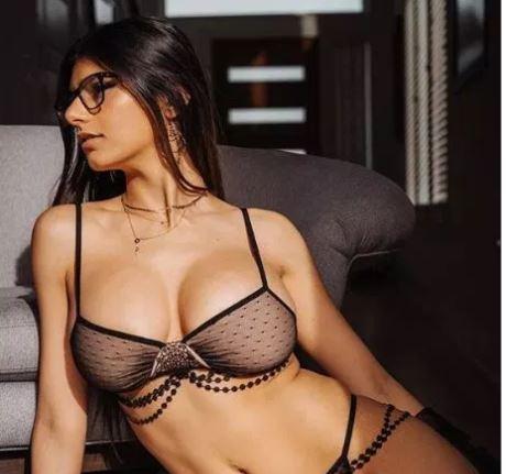Либанската порно актерка Миа добива закани од Исис