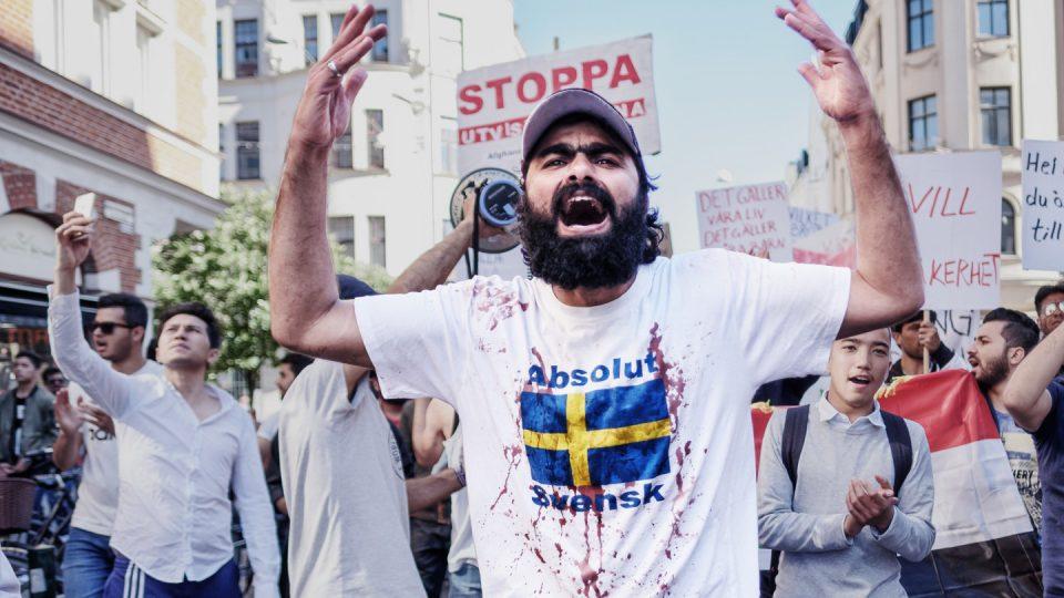 """Во Шведска формирана првата """"Партија на мигранти"""""""