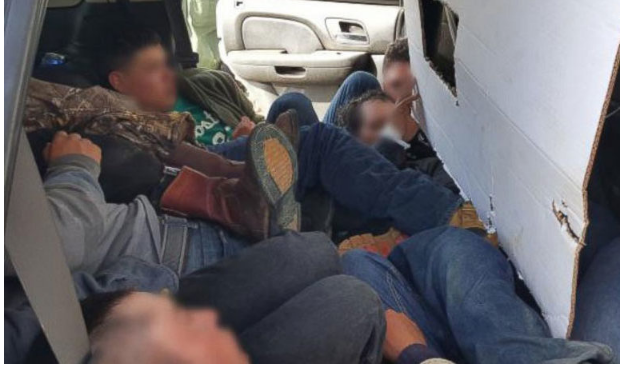 Албанец фатен со комбе полно мигранти кај Градско