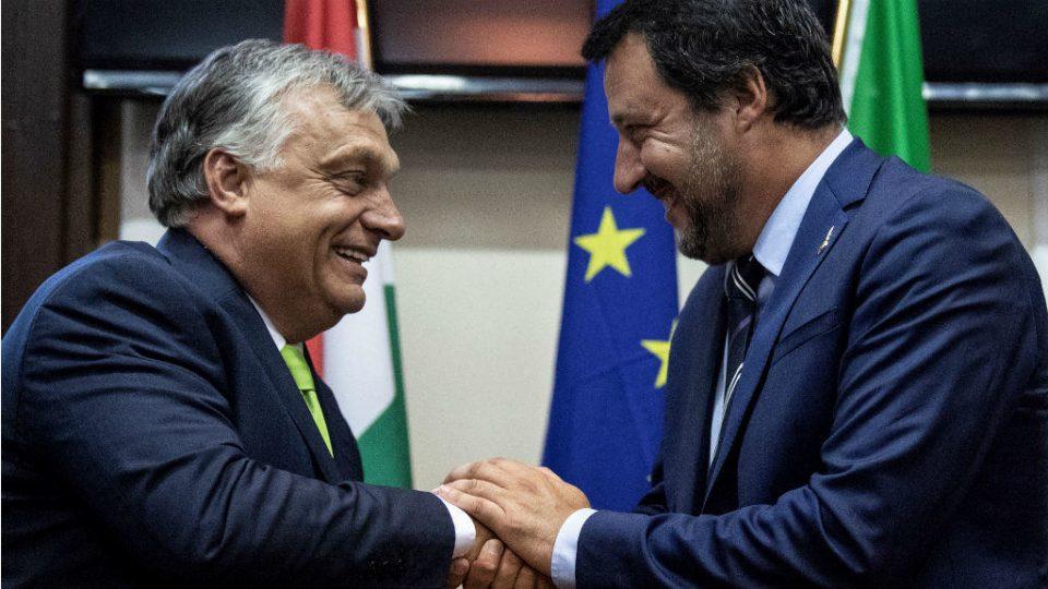 Орбан до Салвини: Никогаш нема да заборавиме дека бевте првиот лидер кој се обиде да ги спречи илегалните мигранти да ја преплават Европа