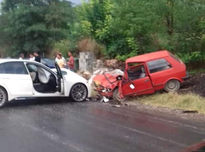 Тешка сообраќајка вчера кај село Семеништe, три лица повредени