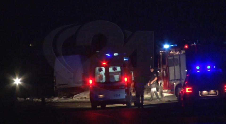 Тешко повредени две лица во сообраќајка кај Барово