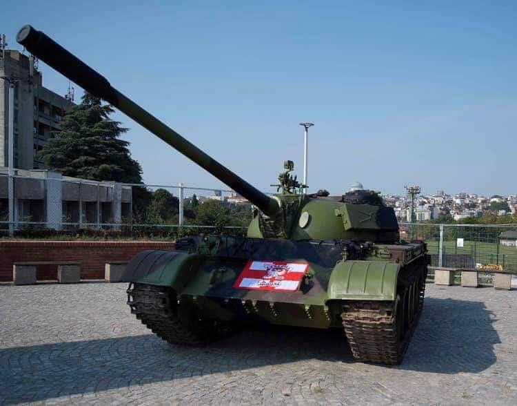 Тенкот пред стадионот на Црвена ѕвезда ги налути Хрватите