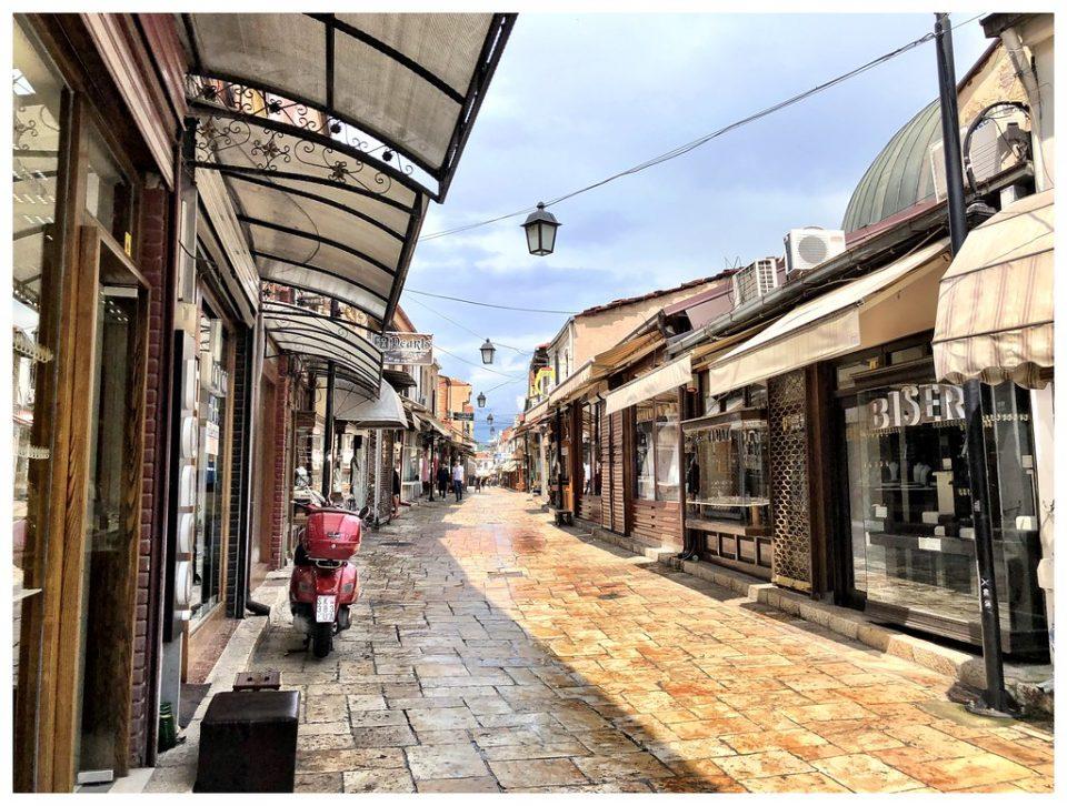 Скопјанец среде бел ден претепан во Старата чаршија