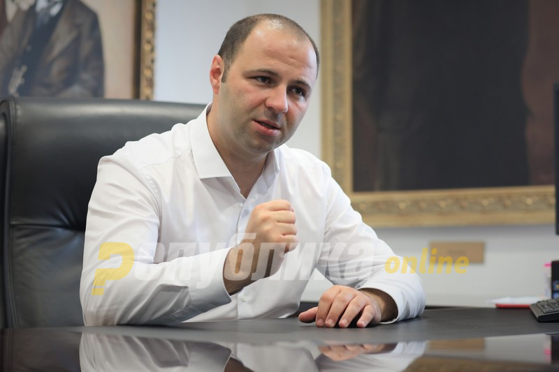 Мисајловски бара оставки од СДСМ: За пусти фотелји и гласови, во пик на епидемија, ја втурнавте цела држава во опасност!
