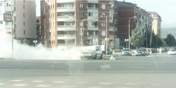 Гореше автомобил на раскрсницата кај Ново Лисиче