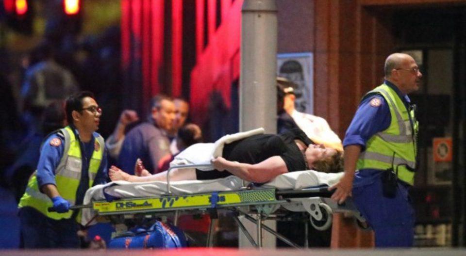 Австралија: Жена избодена со нож во центарот на Сиднеј