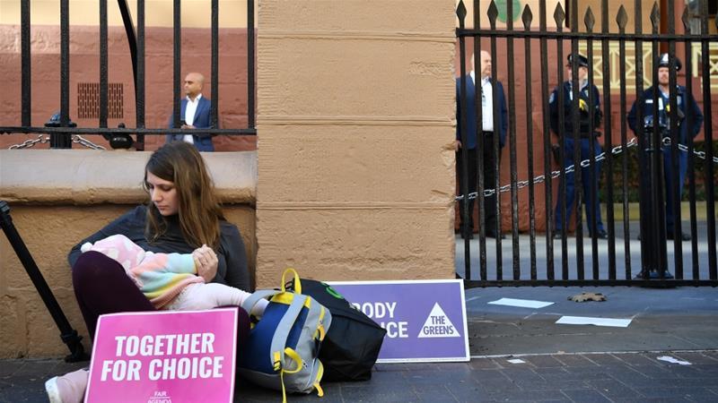 Од денеска абортусот е легален во цела Австралија