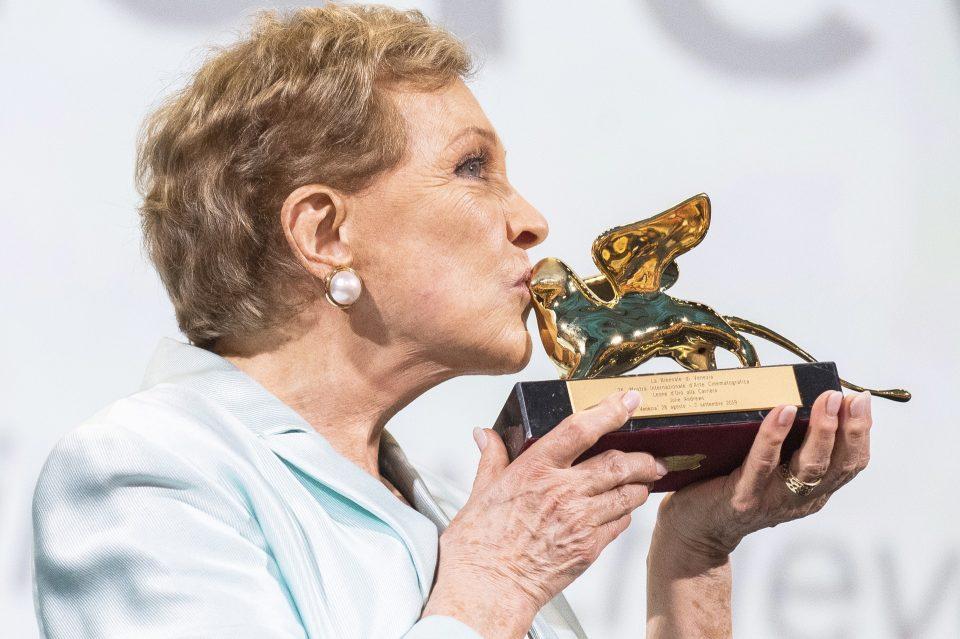 """Мостра 2019: """"Златен лав"""" за животно дело за Џули Ендрус"""