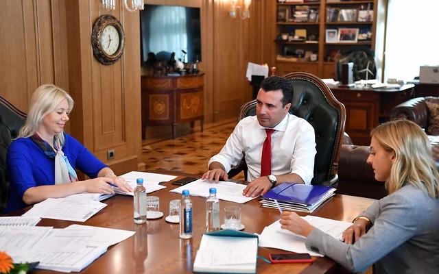 Заев наредува, Нина потпишува: Македонија за 7 дена задолжена за 100 мил. евра