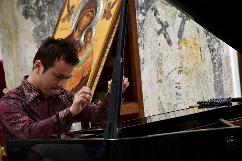 """Впечатлив настап на младиот јапонски пијанист Томохиро Адачи во """"Света Софија"""""""